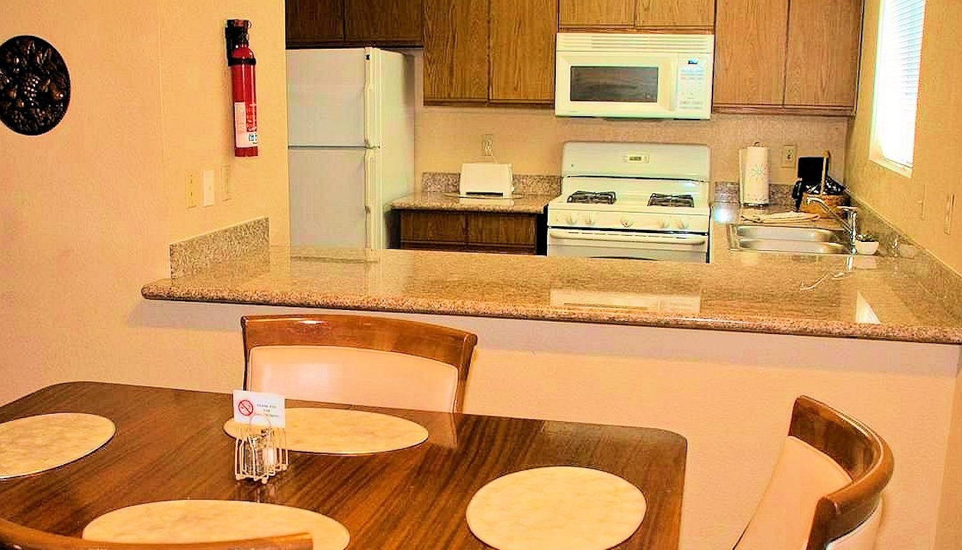 Sunnyvale Garden Suites - Excellent Kitchen & Dining Space